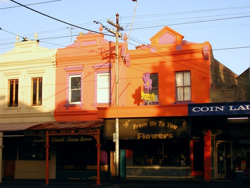 u. Orange shops, Lygon St